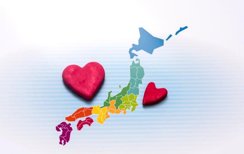 日本地図にハートマークが左右に2つ