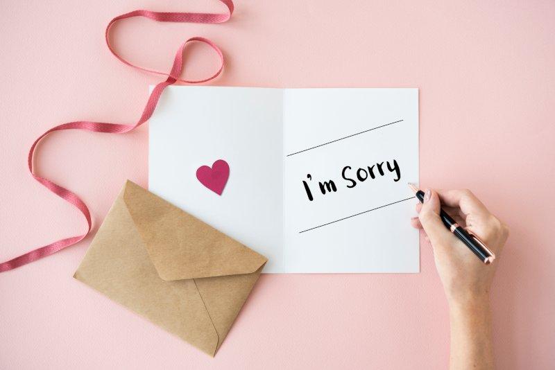 sorryと書かれた手紙