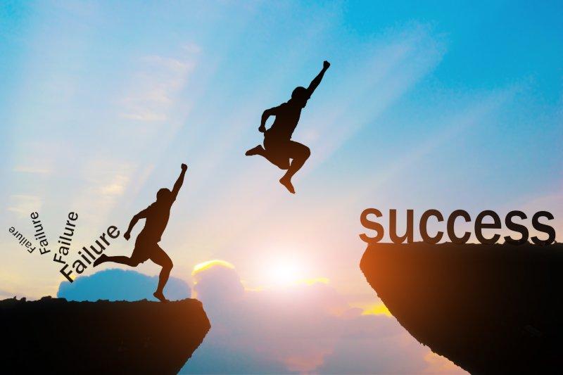 失敗から成功へジャンプしている姿