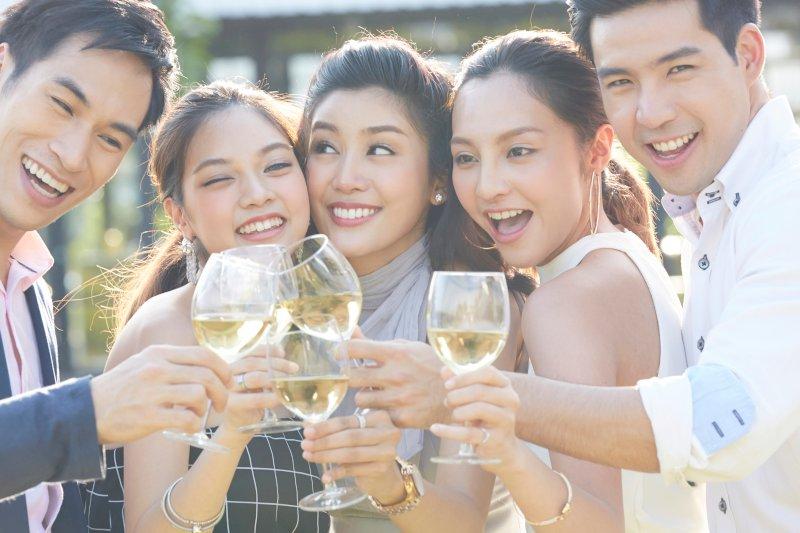 年齢制限つき婚活パーティーの選び方